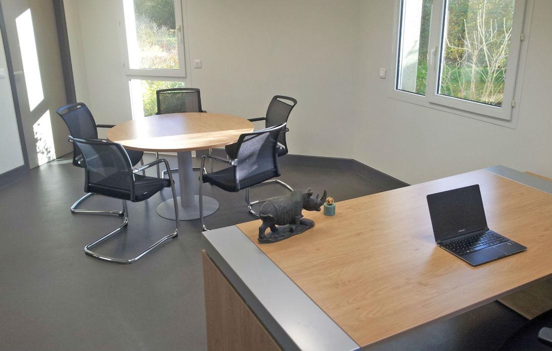 Fourniture de bureau et fauteuil pour les professionnels mobi buro